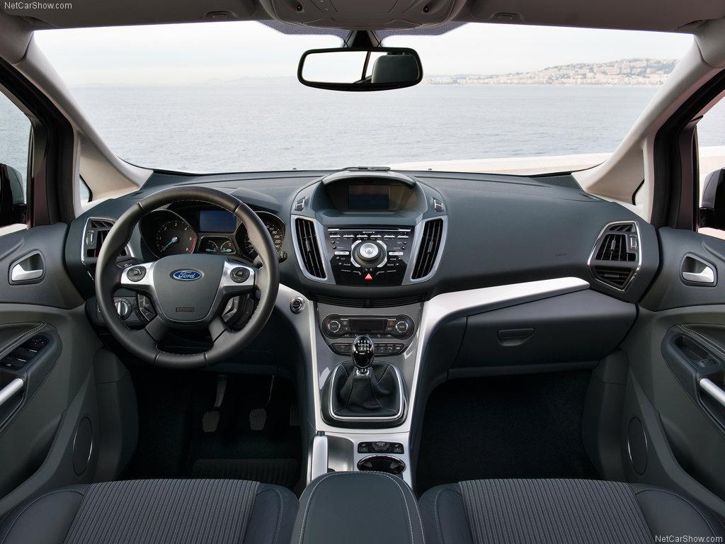 Ford C-Max - interiér