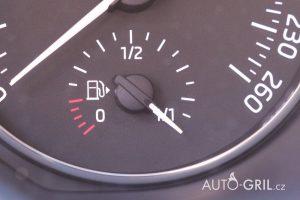 snížení spotřeby paliva, ukazatel paliva