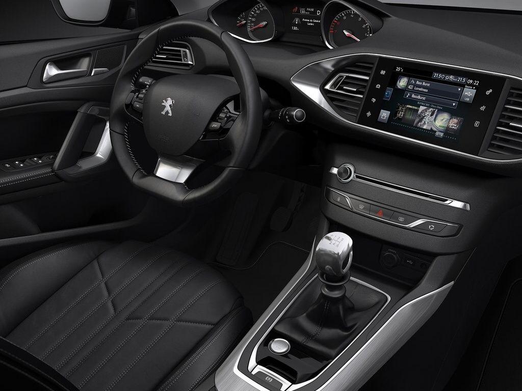 Peugeot 308 - interiér