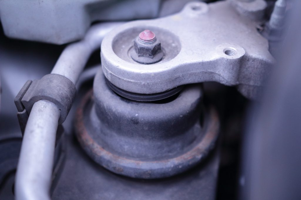 silenblok motoru